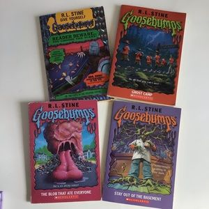 $10 bundle item💐 4 Goosebumps books